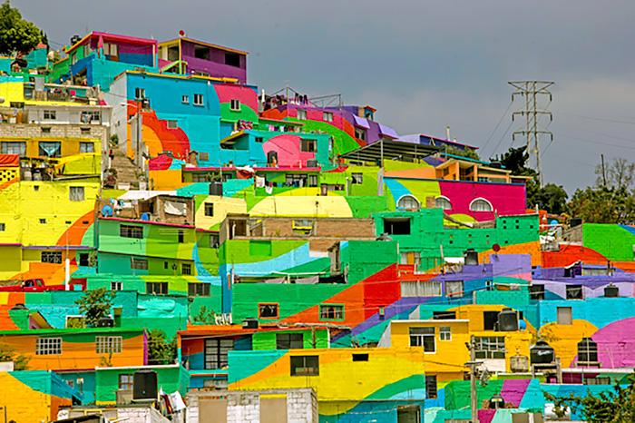 Pueblo-con-casas-pintadas-de-colores-Mexico-1