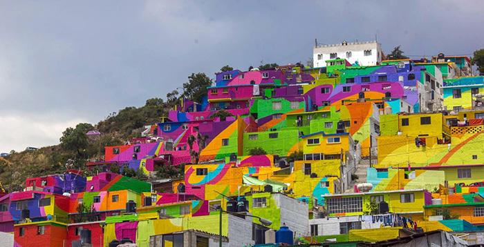 Pueblo-con-casas-pintadas-de-colores-Mexico-2
