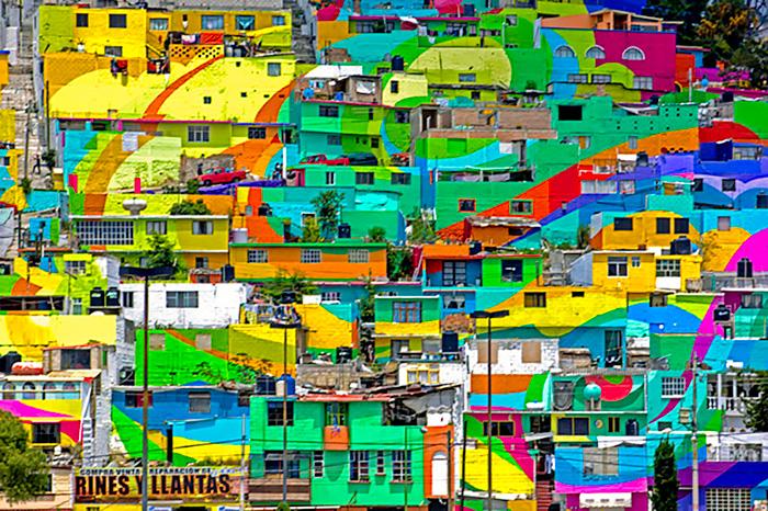 Pueblo-con-casas-pintadas-de-colores-Mexico-3