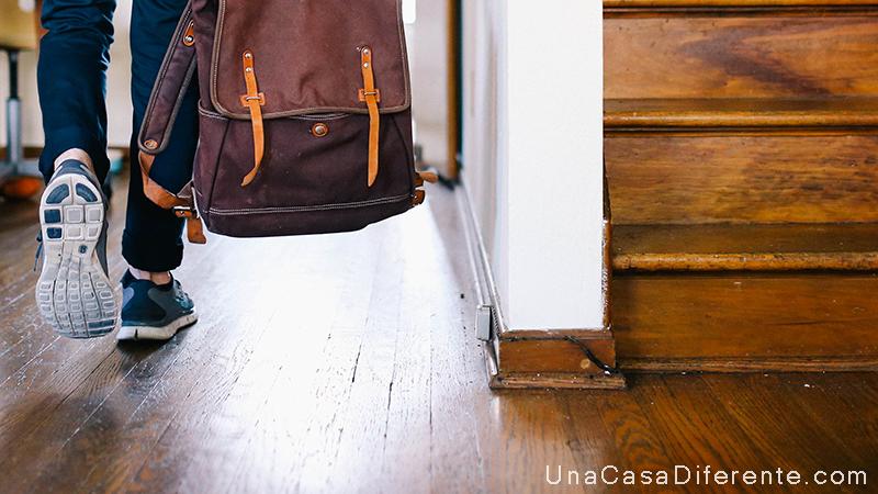 Trucos c mo limpiar y cuidar suelos de madera una casa - Productos para limpiar madera ...
