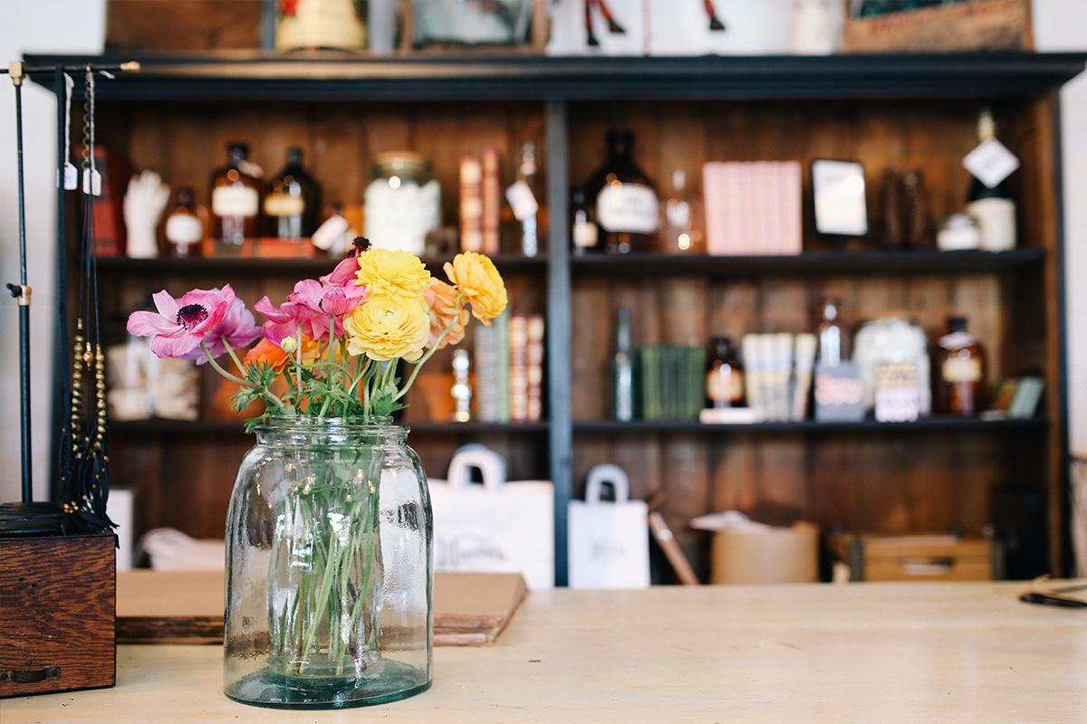Flores en botes de cristal Jar flowers